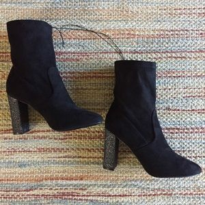 New! Glitter block heel boot 8